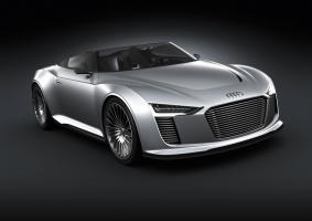 Прикрепленное изображение: Audi_e-tron_Spyder-001.jpg