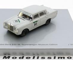 Прикрепленное изображение: Mercedes 220SE No.80  Spark Rennsport.jpg