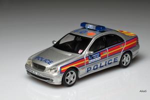 Прикрепленное изображение: Mercedes-Benz W203 2000 Sedan Metropolian Police Code 3.jpg