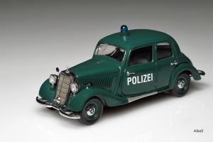 Прикрепленное изображение: Mercedes-Benz W136 170 V Sedan Polizei Schuco.jpg