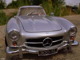 Прикрепленное изображение: Mercedes-Benz 300 SL Gullwing (37).jpg
