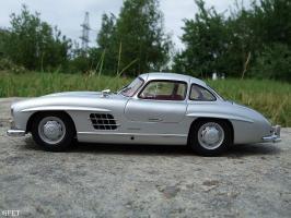 Прикрепленное изображение: Mercedes-Benz 300 SL Gullwing (4).jpg