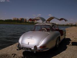 Прикрепленное изображение: Mercedes-Benz 300 SL Gullwing (31).jpg