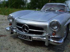 Прикрепленное изображение: Mercedes-Benz 300 SL Gullwing (33).jpg