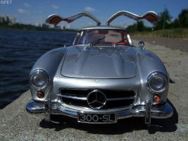 Прикрепленное изображение: Mercedes-Benz 300 SL Gullwing (0).jpg