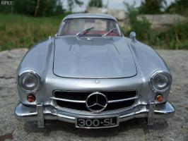 Прикрепленное изображение: Mercedes-Benz 300 SL Gullwing (40).jpg
