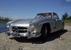 Прикрепленное изображение: Mercedes-Benz 300 SL Gullwing (10).jpg