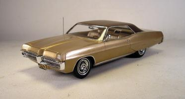Прикрепленное изображение: 1967 Pontiac Grand Prix Modelhaus resin kit built NICE! bonneville.jpg