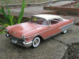 Прикрепленное изображение: 1958 Cadillac Fleetwood Sixty Special 4 Door HT.jpg