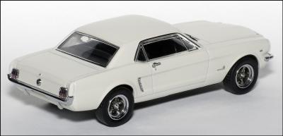 Прикрепленное изображение: 1965 Ford Mustang Plain Body Race Car - Apex Replicas - AR0204 - 2_small.jpg