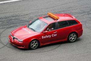 Прикрепленное изображение: 800px-Alfa_156_GTA_Sportwagon_Safety.jpg