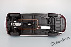 Прикрепленное изображение: BMW 502 2.6 Luxus Autoart 70594_12.jpg