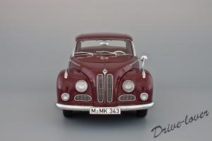 Прикрепленное изображение: BMW 502 2.6 Luxus Autoart 70594_04.jpg