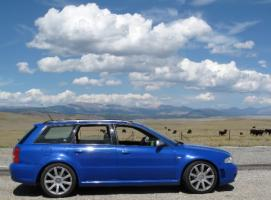 Прикрепленное изображение: 2000_Audi_RS4_Avant_For_Sale_Sport_Wagon_Nogaro_Blue_in_USA_Profile_resize.jpg
