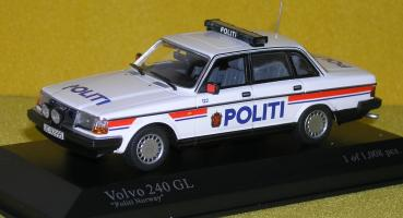 Прикрепленное изображение: Volvo 240gl politi P1010153.JPG