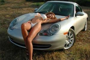 Прикрепленное изображение: Girl_On_Car.jpg