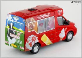 Прикрепленное изображение: 2006 Mercedes-Benz Sprinter W906 Walls Ice Cream Whitby Mondial Ice Cream Van - Oxford Diecast - WM001 - 4_small.jpg