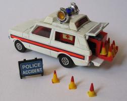 Прикрепленное изображение: Range Rover  Police Corgi Toys.jpg