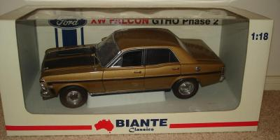 Прикрепленное изображение: Ford Falcon XW GTHO Phase 2 Grecian Gold Biante.jpg