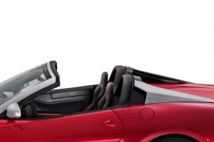 Прикрепленное изображение: Ferrari-SA-Aperta-7.JPG