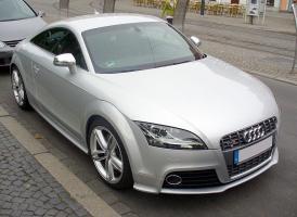 Прикрепленное изображение: 800px-Audi_TTS_Coupé_Eissilber.JPG