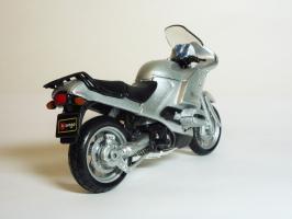 Прикрепленное изображение: BMW R 1150 RS \'2000 (Bburago) 5.JPG