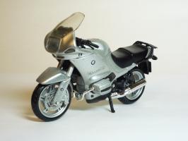 Прикрепленное изображение: BMW R 1150 RS \'2000 (Bburago) 2.JPG