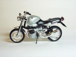 Прикрепленное изображение: BMW R 1100 R \'1994 (Bburago) 1.JPG