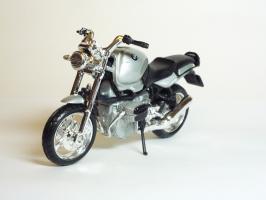 Прикрепленное изображение: BMW R 1100 R \'1994 (Bburago) 2.JPG