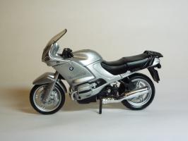 Прикрепленное изображение: BMW R 1150 RS \'2000 (Bburago) 1.JPG