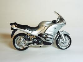 Прикрепленное изображение: BMW R 1150 RS \'2000 (Bburago) 4.JPG