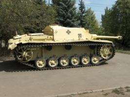 Прикрепленное изображение: 12-saratov-park-pobedy-tank-570x427.jpg
