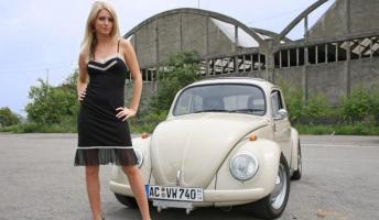 Прикрепленное изображение: beautiful-girls-and-vintage-cars-27.jpg