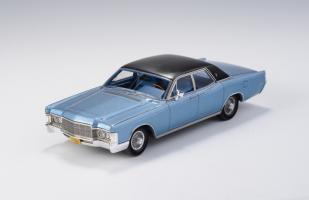 Прикрепленное изображение: Lincoln Continental 1969.jpg