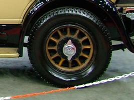 Прикрепленное изображение: Mercedes-Benz_630K,_1927-rear-wheel.jpg