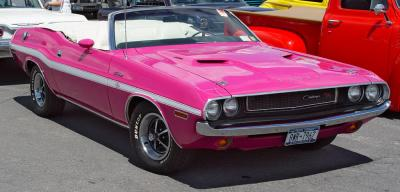 Прикрепленное изображение: 1970-Dodge-Challenger-RT-Convertible-Pink-Front-Angle-sy_resize.jpg