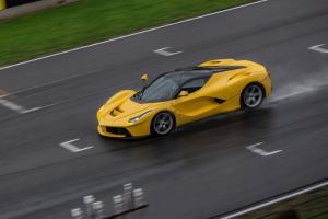 Прикрепленное изображение: La_Ferrari (2).jpg