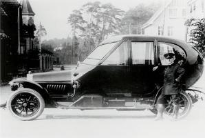 Прикрепленное изображение: Opel-Ei 13-30-PS 1912 by Max LOCHNER.jpg