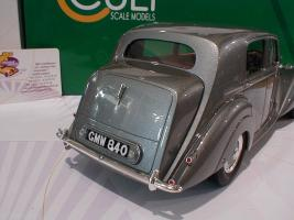 Прикрепленное изображение: Bentley MK VI Saloon Baujahr 1950 Cult Scale Models2.JPG