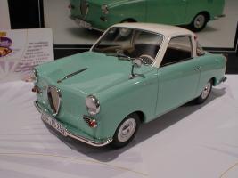 Прикрепленное изображение: Schuco 00082 Goggomobil Coupe TS 250 Baujahr 1969 3.JPG
