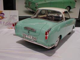Прикрепленное изображение: Schuco 00082 Goggomobil Coupe TS 250 Baujahr 1969 4.JPG