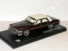 Прикрепленное изображение: Cadillac de Ville Sedan 1977 013.JPG