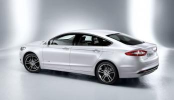 Прикрепленное изображение: Ford Mondeo Fastback 2014.jpg