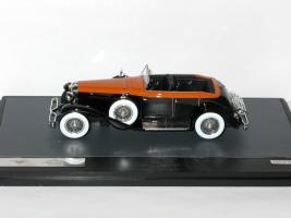 Прикрепленное изображение: Duesenberg Model J Riviera Phaeton Cabrio 1934 004.JPG