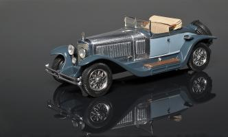Прикрепленное изображение: Mercedes 24-110-160 PS Roadster Fleetwood 1927. Kleincoche-Kit O'Boy.jpg