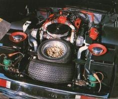Прикрепленное изображение: 1977 Panther 6, двигатель.jpg