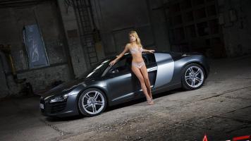 Прикрепленное изображение: model-with-car-wallpaper--83de1.jpg