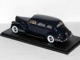 Прикрепленное изображение: Packard 180 7 Passenger Limousine 1942 005.JPG