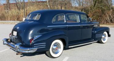 Прикрепленное изображение: Cadillac Fleetwood series 75.jpg