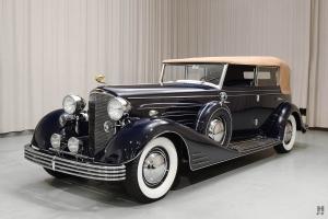 Прикрепленное изображение: Cadillac Fleetwood Allweather Phaeton 1933.jpg